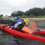 échange de kayaks, lors d'une balade en kayak de mer dans la ria d'Etel.