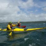 Kayaks de mer sous le vent.