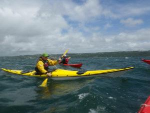 balade en kayaks de mer en compagnie d'un vent de 5 Beaufort.