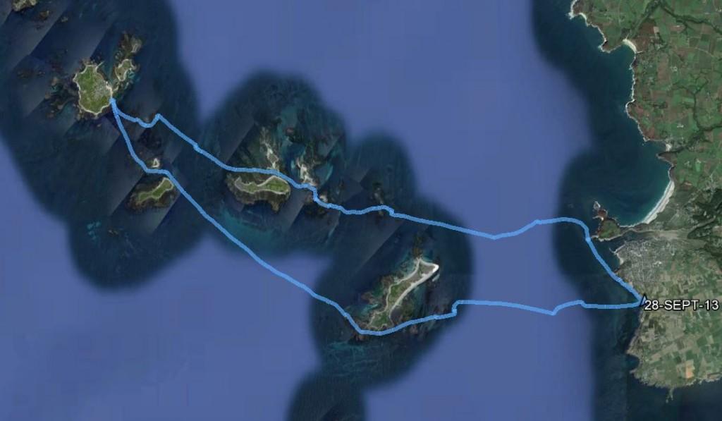 Tracé de notre randonnée en kayak de mer. Partant de PorzLiogan, nous sommes allés à l'île de Béniguet, l'île de Triélen, l'île aux Chrétiens, l'île Molène, puis retour en passant l'île de Quéménes, l'île de Litiri, l'île de Morgol, l'îlette et le phare de Kermorvan.