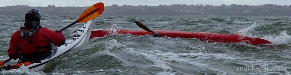 Esquimautage en kayak de mer.