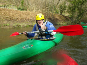 Jef en kayak de rivière - Photo de Cyrille Lacroix.