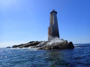 Randonnée en kayak de mer au phare de la tourelle de Corn Carhai (29)