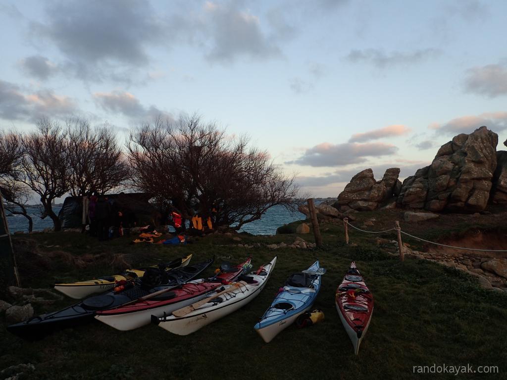 Arrivee à Stagadon en kayak de mer