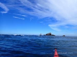 Le phare de la Vieille à la pointe du Raz, lors de notre randonnée en kayak de mer sur la côte sud du Cap Sizun.