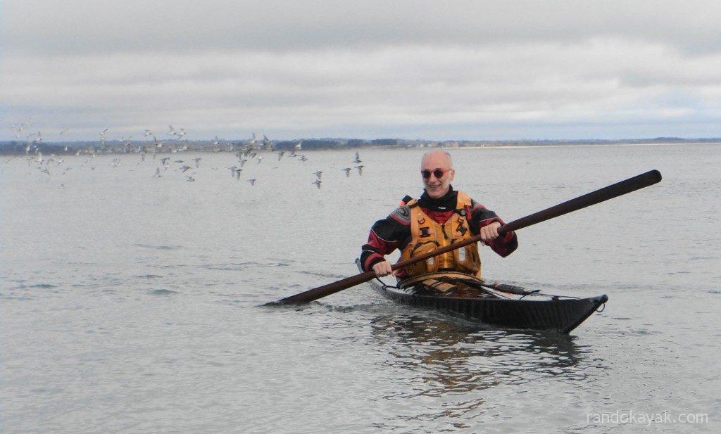 Stage de kayak de mer et pagaie groenlandaise à l'Île-Tudy, photo de Jean Drouglazet.