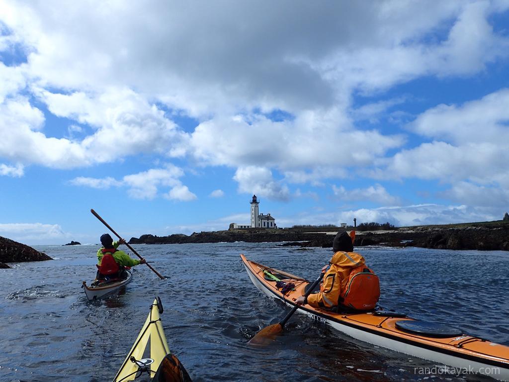 Arrivée en kayak de mer à l'île aux Moutons.