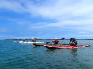 En kayak de randonnée en mer à l'île de Bréhat.