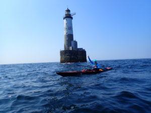 Bernard, content d'être à Ar Men en kayak de mer