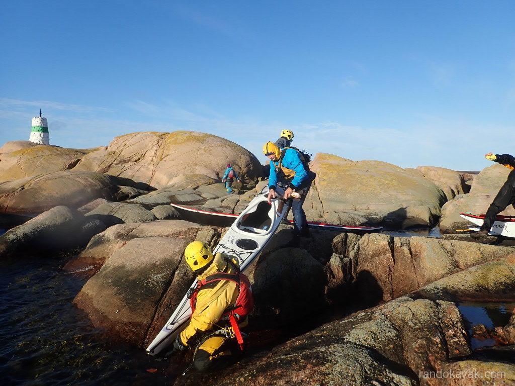 débarquement sur l'îlot de Byxeskären (Suède)
